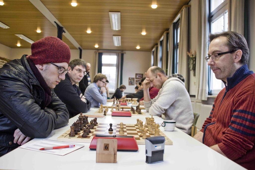 Jonathan Estedt (Hohentübingen, links) gegen Oliver Maas (Reutlingen, rechts)